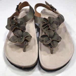 Biosoft moss green floral thong sandals Sz 37